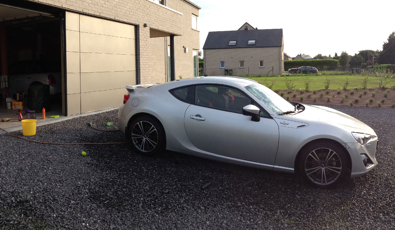 toyota-gt86-cleaning
